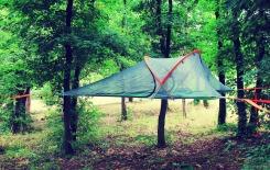 Vi aspettiamo all'interno del Parco Regionale dei Colli Euganei per provare le nostre nuove tende sospese e passare una notte sotto le stelle. www.aperdifiato.com/sleep-the-nature/ #aperdifiato #sleepthenature #playthenature #glamping